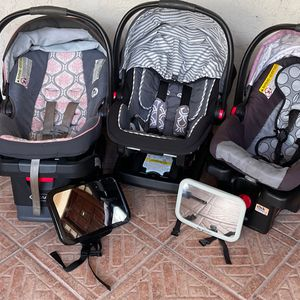 3 Graco Car Seats (Snug Fit 30 And Two 35's) With 3 Interchangeable Bases And 2 Mirrors for Sale in Tampa, FL
