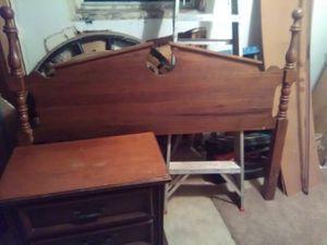 headboard n nightstand for Sale in Caldwell, OH