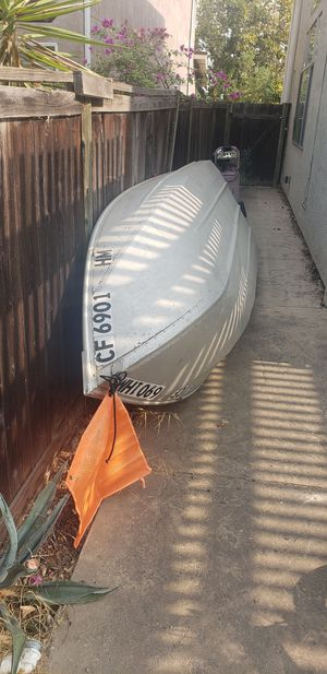 12 ft Aluminum boat for Sale in Pittsburg, CA