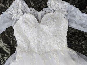 Wedding dress for Sale in Summerfield, FL