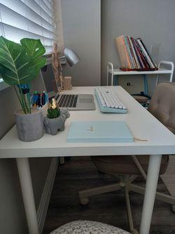 White DESK / TABLE for Sale in Aurora,  CO