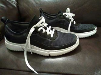 8.5 M Wmn Rockport Athletic Shoes /truTECH Heels/ for Sale in Oklahoma City,  OK