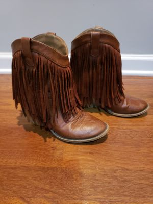 Ladies 7.5 fringe boots for Sale in Bellevue, TN