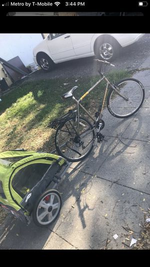 Bike with kids cart for Sale in Richmond, CA