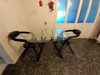 Black Kitchen Glass table with 4 chairs. for Sale in Ontario,  CA