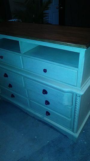 Dresser 53w×48h for Sale in Modesto, CA