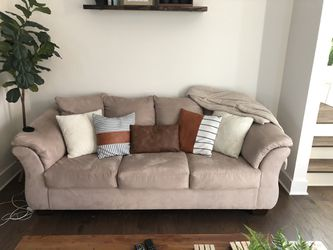 GREAT COUCH for Sale in Nashville,  TN