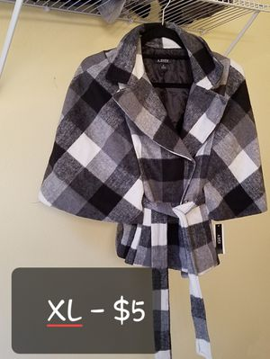A Buyer Poncho Jacket Size XL for Sale in Puyallup, WA