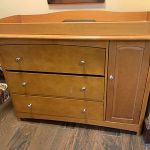 Changing Table Dresser for Sale in Philadelphia, PA