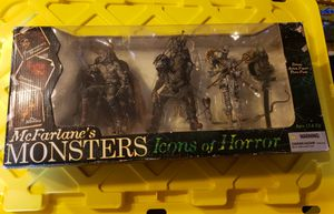 Mcfarlane monsters icons of horror set, Frankenstein, Dracula, and Mummy for Sale in Festus, MO