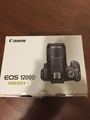 Canon 1200 D / T5 with lens and tripod for Sale in Pinellas Park, FL
