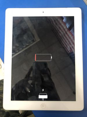 I PAD 2 (iCLOUD locked) for Sale in Detroit, MI