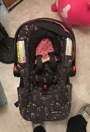 Graco click connect car seat for Sale in Arlington, VA
