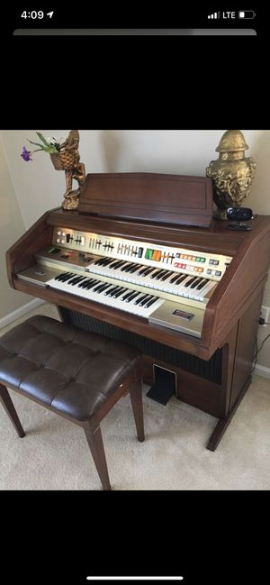 Organ for Sale in Brownstown Charter Township, MI