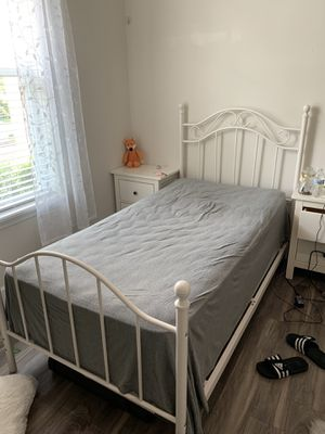 Twin white bed FRAME ONLY for Sale in Orlando, FL