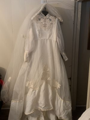 Vintage Size 18 Wedding Dress for Sale in Chester, SC