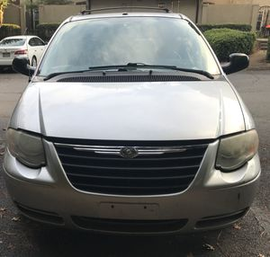 Chryser town & country 2007 for Sale in Stone Mountain, GA