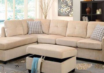 Belville Sectional Sofa w/Pillows (Reversible) - Beige Velvet for Sale in Mansfield,  TX
