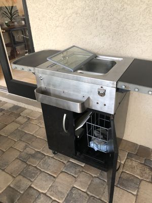 Outdoor drink cooler and server for Sale in New Port Richey, FL