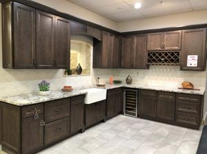 Kitchen Cabinets & Installation for Sale in South Gate, CA