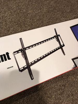 Large TV Tilt wall Mount 📺 for Sale in Bedford Park, IL