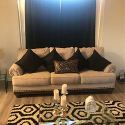 Couch for Sale in Fort Lupton,  CO