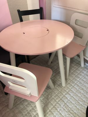 Kid Kraft table and two chairs for Sale in Chino Hills, CA