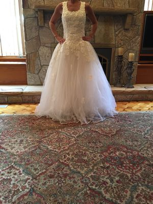 Wedding Dress - BRAND NEW for Sale in Lynnfield, MA