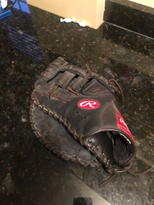 Rawlings lefty first basemens mitt for Sale in Villa Park, IL