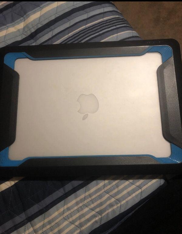 Apple Mac book air (2017) W/case