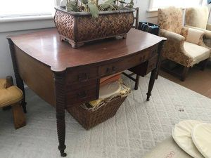 Gorgeous real wood old english Desk for Sale in West Palm Beach, FL