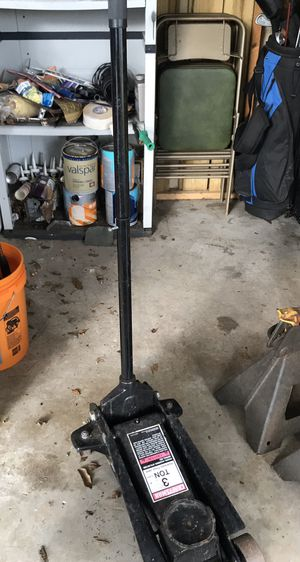 Craftsman 3 ton / Also to Jack stands for Sale in Port St. Lucie, FL