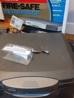 Sentury Home Fire Safe No Key for Sale in Belmont,  MA