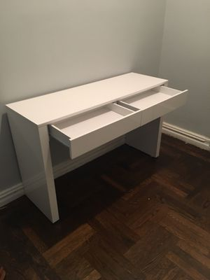 White desk vanity console table for Sale in The Bronx, NY