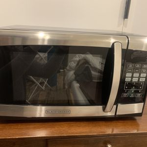Black and Decker microwave for Sale in Brooklyn, NY