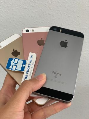 Apple iPhone SE Unlocked for Sale in Tacoma, WA
