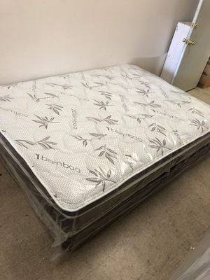 Queen mattress with boxspring for Sale in Tustin, CA