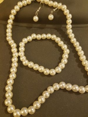 3 Piece Faux Pearl Set for Sale in Knoxville, TN