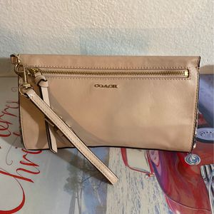 Coach Hand Wallet for Sale in Costa Mesa, CA