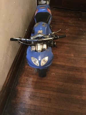 Selling my motorcycle for Parts I don't know what's wrong with it it Dnt start I have the remote for Sale in Chicago, IL