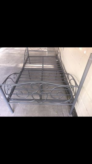 Twin bed frame $10 for Sale in Lyford, TX