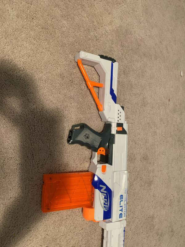 Nerf retaliator elite nerf gun with cartridge