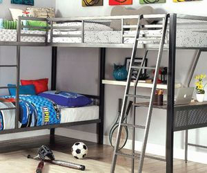 Triple Bunk Bed w/ Desk for Sale in Littleton,  CO