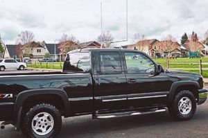 NICE AND CLEAN CHEVY SILVERADO for Sale in East St. Louis, IL