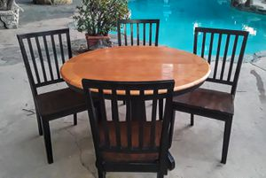 Kitchen/Dinning Table for Sale in Ontario, CA