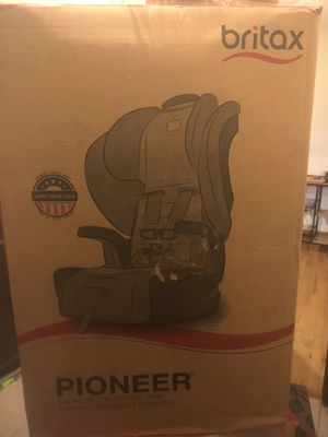 BRAND NEW BRITAX PIONEER BOOSTER SEAT for Sale in Boston, MA