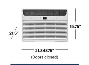 Frigidaire 450 feet air conditioner for Sale in New York, NY