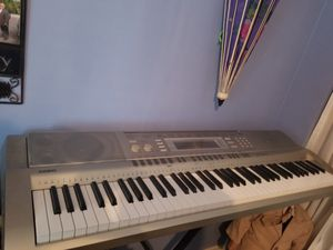 Casio keyboard with stand for Sale in Miami, FL