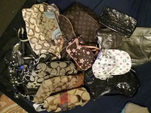 Louis vuitton, coach, and more READ for Sale in Newton, IA