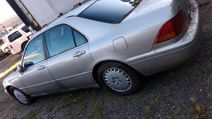 1998 Acura rl for parts only salvage title for Sale in New Britain, CT